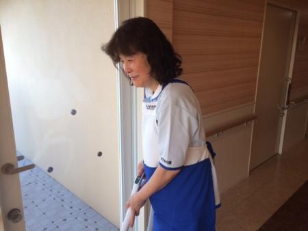 1日4時間~・週2日~OK。有料老人ホーム内の清掃スタッフを募集中!