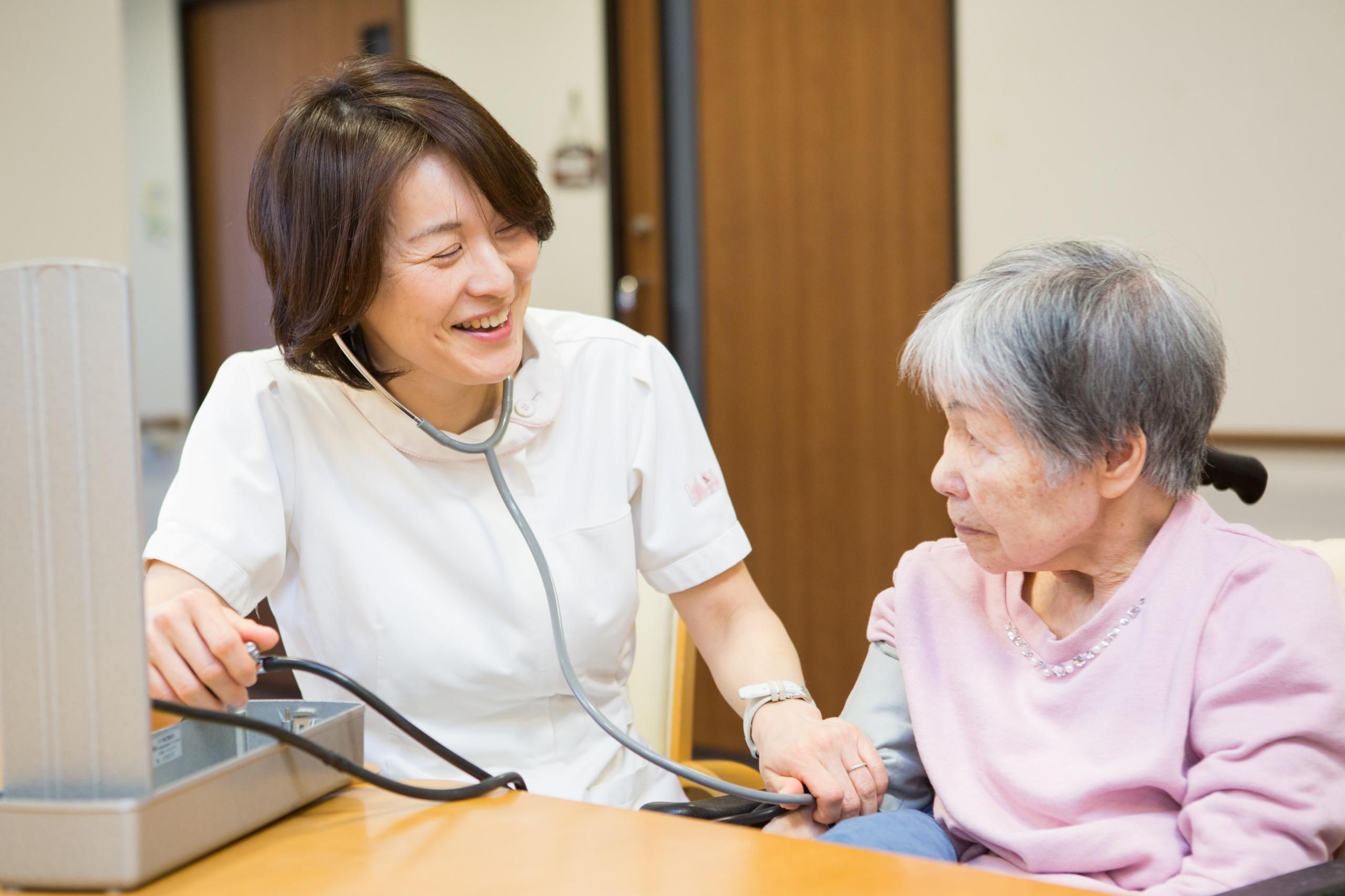 サービス付き高齢者向け住宅での看護師を募集しております。☆入社時にワクチン接種可能☆職員の定期的なPCR検査☆
