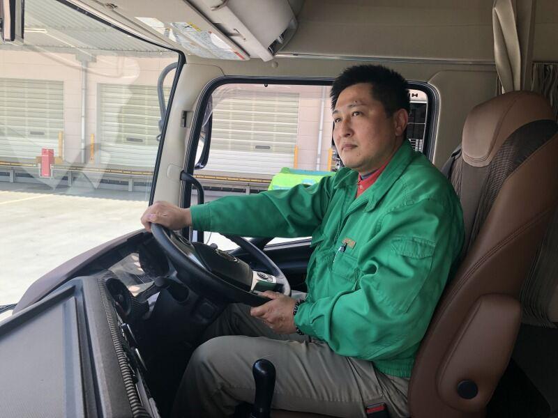 大型 トラック ドライバー (10tドライバー)