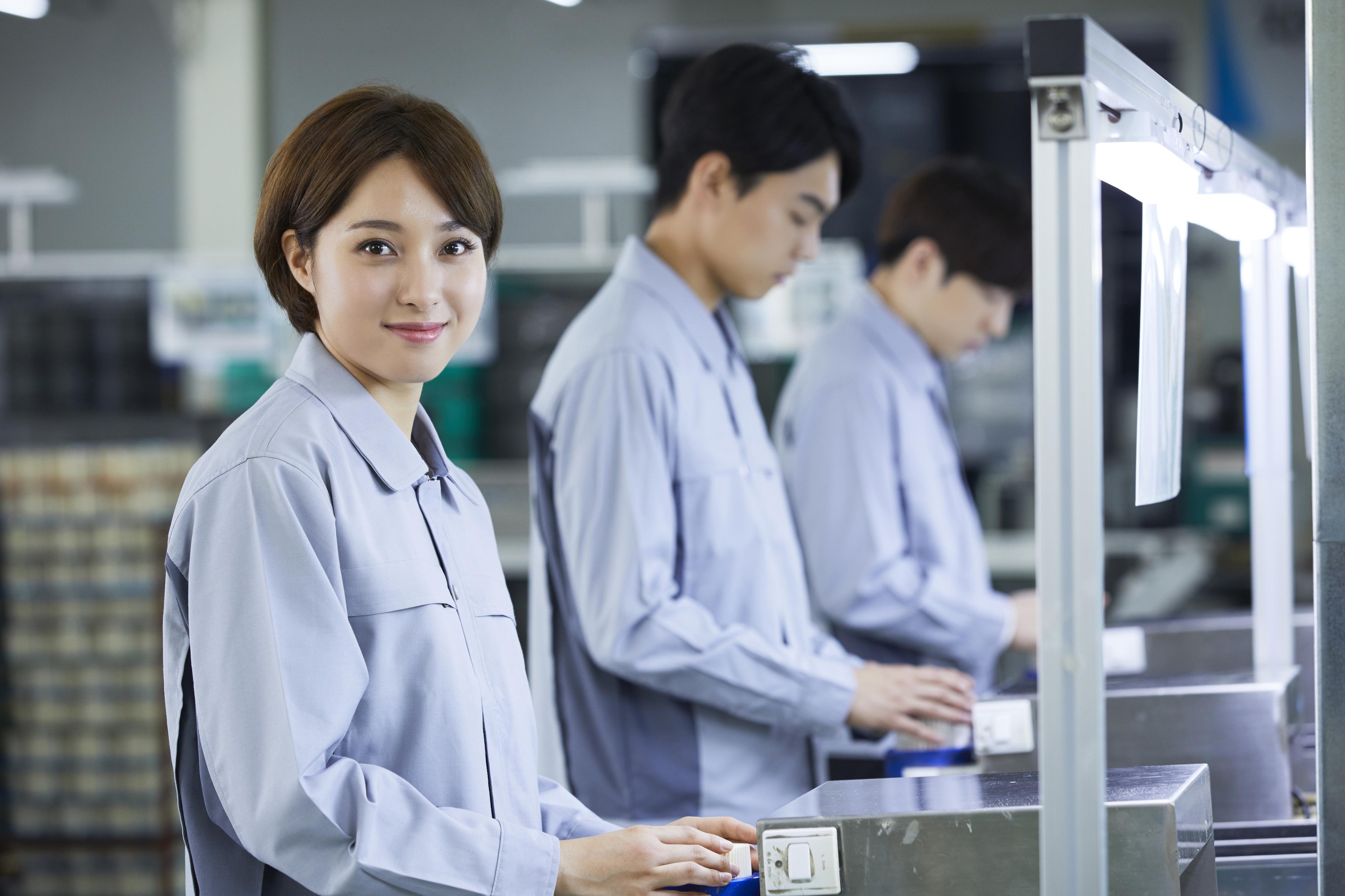 【時給1250円の軽作業】検査・梱包/給与の希望日払い可!