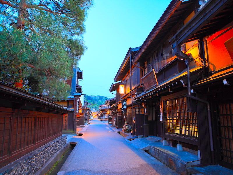 岐阜高山の中心地で住み込み。働きやすい職場です。