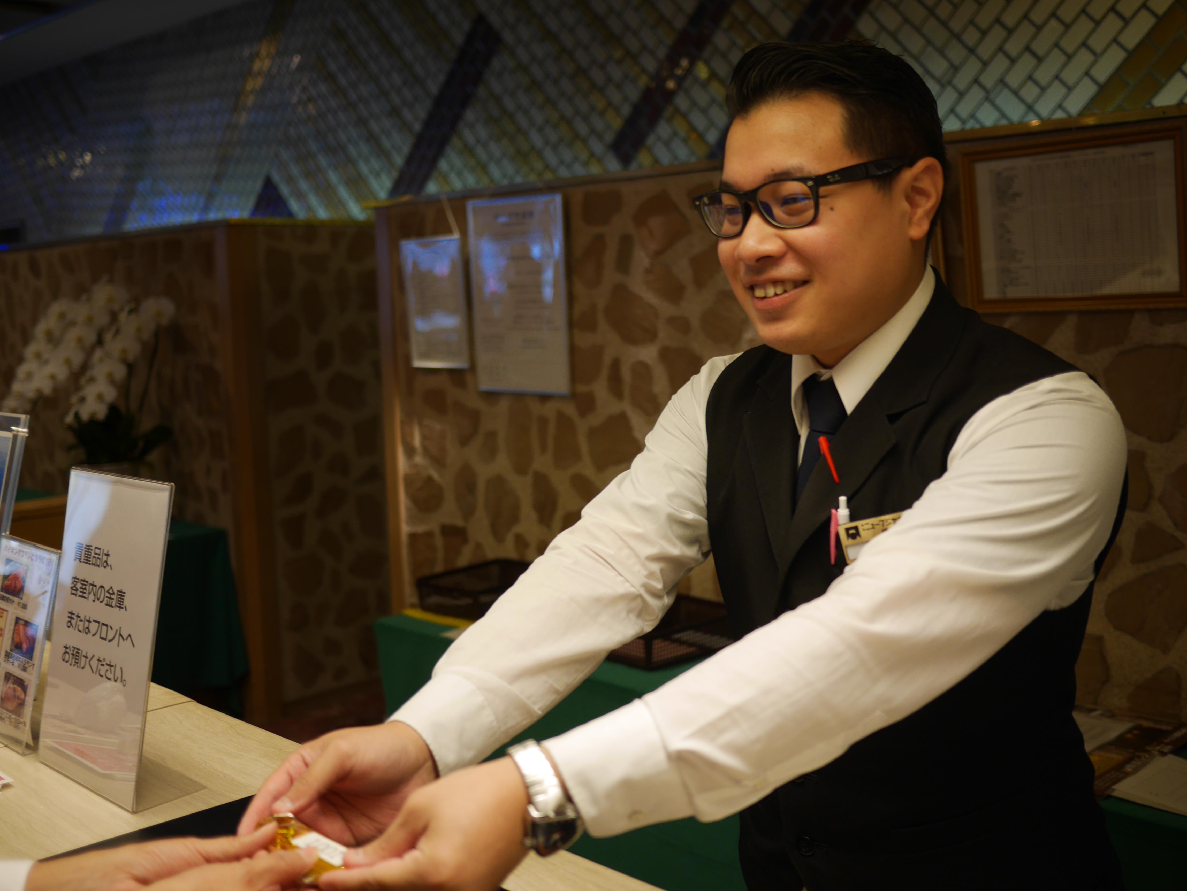 【週1日~OK】接客経験者必見!1日4時間~OK★ホテルの予約スタッフ